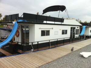 Happy Days Houseboats Executive Model Exterior