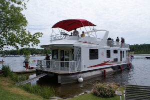 Happy Days Houseboats Luxury Model