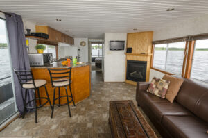 Happy Days Houseboats Executive Model Interior