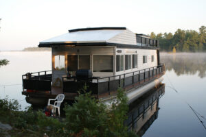 Happy Days House Boats 10 Sleeper Docked on the Trent