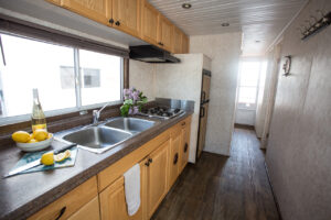 Happy Days Houseboats - 6 Sleeper Kitchen/Galley